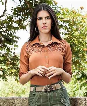 Camisa Crepe 3/4 Detalhes Trançado c/ Perolas - C2645